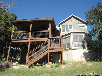 Canyon Lake Single Family Home For Sale: 2330 Colleen Dr