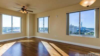 Bexar County Condo/Townhouse For Sale: 215 Center #1006