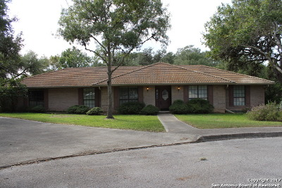 Single Family Home For Sale: 29715 Saddleback Cir