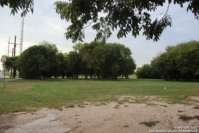 Guadalupe County Residential Lots & Land For Sale: 901 E Seideman St