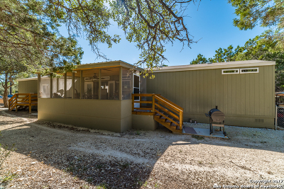 Comal County Manufactured Home For Sale: 1494 Linda Dr