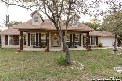 Canyon Lake Single Family Home For Sale: 2305 Rocky Ridge Loop