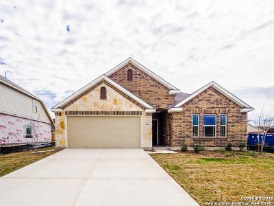 Schertz Single Family Home For Sale: 2804 Lake Highlands