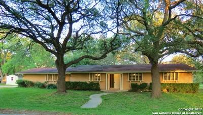 Guadalupe County Single Family Home For Sale: 110 Rio Grande Dr