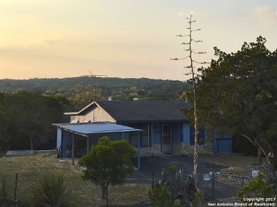 Lakehills TX Single Family Home For Sale: $99,000