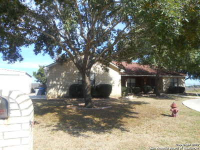 Atascosa County Single Family Home Back on Market: 2738 Woodland Dr