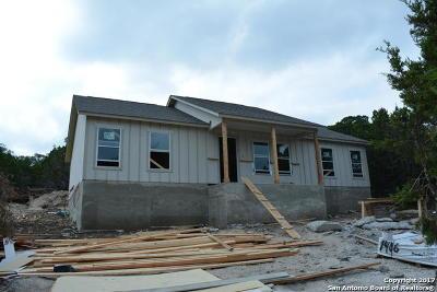 Canyon Lake Single Family Home For Sale: 1028 Deer Run Pass