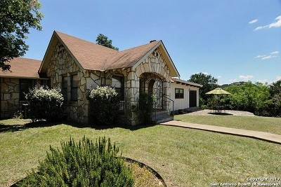 Single Family Home For Sale: 115 Cave Spring Dr