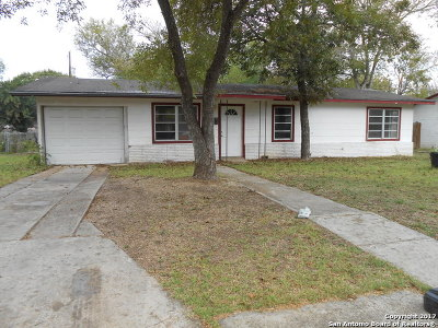 Schertz Single Family Home For Sale: 511 Aviation Ave