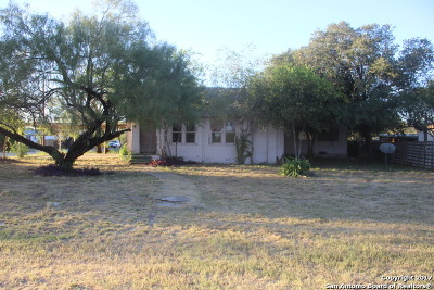 Atascosa County Single Family Home For Sale: 603 Walnut St