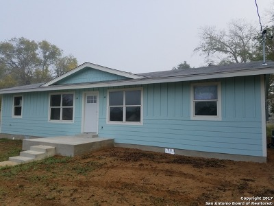 Floresville Single Family Home New: 1708 3rd St