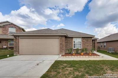 Seguin Single Family Home For Sale: 1012 Bromley Ct