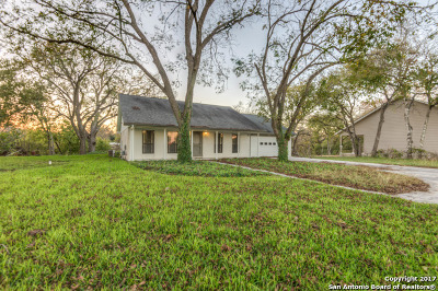 Guadalupe County Single Family Home For Sale: 1000 Boenig St