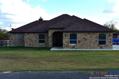 Wilson County Single Family Home For Sale: 114 E Lorenz