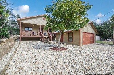 Bandera County Single Family Home For Sale: 322 White Bass Dr.