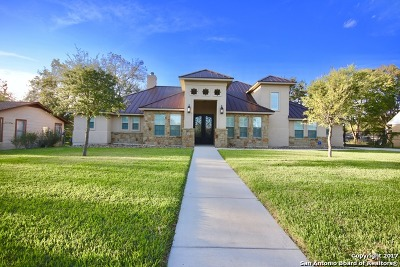 Floresville TX Single Family Home Price Change: $377,500