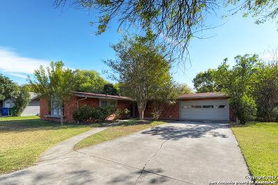 San Antonio Single Family Home New: 214 Pinewood Ln