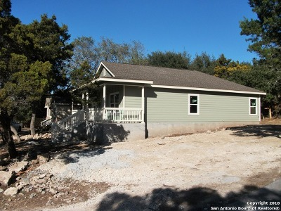Canyon Lake Single Family Home For Sale: 286 Cedar Dr