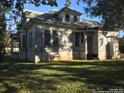 Seguin Single Family Home Price Change: 530 Bowie St