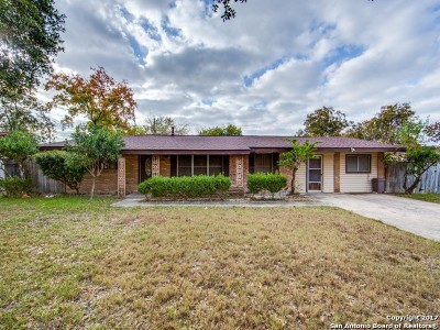 Single Family Home For Sale: 222 Windcrest Dr