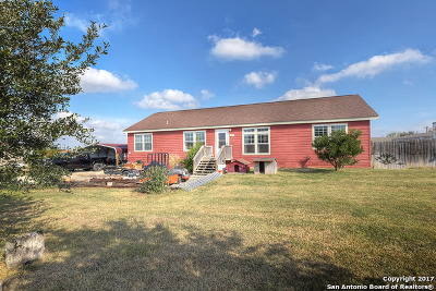 Guadalupe County Manufactured Home For Sale: 431 Rosemary Loop