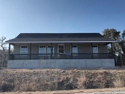 Canyon Lake Single Family Home For Sale: 617 Primrose Path