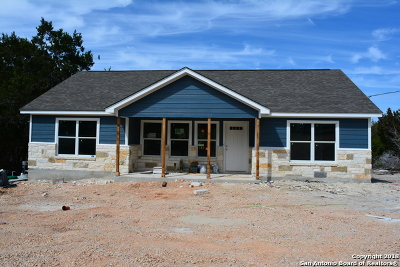 Canyon Lake Single Family Home For Sale: 210 White Tail Ln