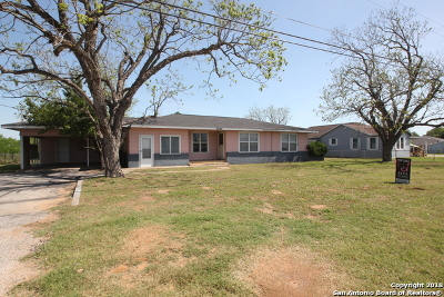 La Vernia Single Family Home For Sale: 13672 Us Highway 87