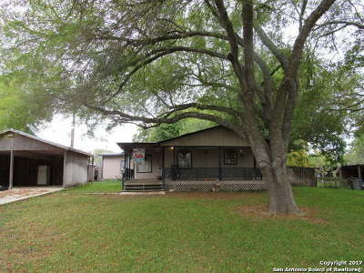 Hondo Single Family Home For Sale: 710 County Road 4402