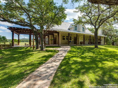 Kendall County Single Family Home For Sale: 221 Upper Cibolo Creek Rd