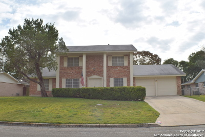 Universal City Single Family Home For Sale: 146 Sage Dr