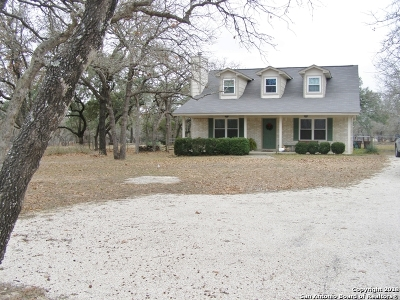 Floresville TX Single Family Home For Sale: $239,900