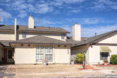 Single Family Home For Sale: 5819 Archwood