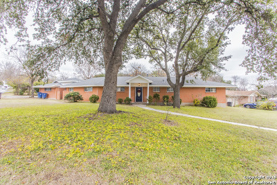 Single Family Home For Sale: 3957 Willowbrook Dr