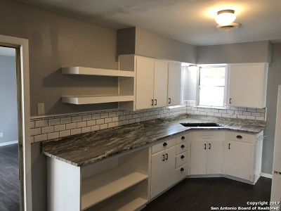 Single Family Home New: 411 Early Trail