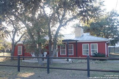 Canyon Lake Single Family Home For Sale: 1524 Hedgestone
