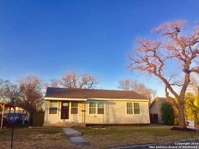 Single Family Home For Sale: 411 Senisa Dr