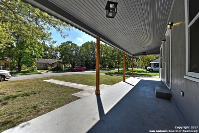 Guadalupe County Single Family Home New: 517 Wright Ave