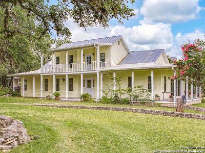 Pipe Creek Single Family Home For Sale: 1606 Oakridge Ln