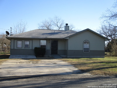 La Vernia Single Family Home New: 250 Kimball