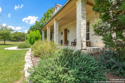 Single Family Home For Sale: 215 Hill Country Ln
