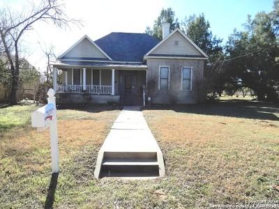Floresville TX Single Family Home Back on Market: $199,000