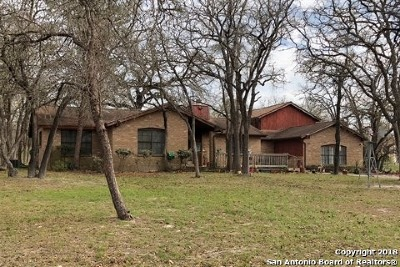 Floresville Single Family Home Price Change: 1973 Bentwood Dr
