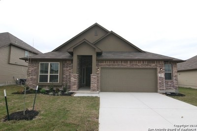 Schertz Single Family Home For Sale: 5493 Cypress Point