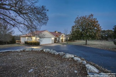 Boerne Single Family Home For Sale: 315 Red Oak Dr