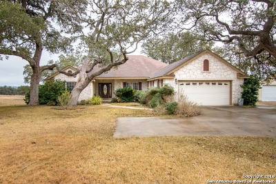 Bandera Single Family Home For Sale: 260 Knollwood Cir