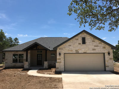 Canyon Lake Single Family Home For Sale: 240 Bogi St