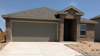 Guadalupe County Single Family Home For Sale: 1516 Birmingham Dr