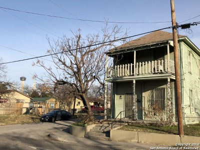 Single Family Home For Sale: 619 Iowa St