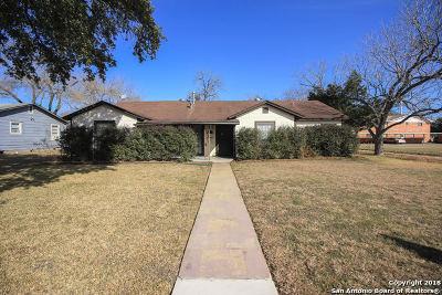 Seguin Single Family Home For Sale: 1058 E Cedar St